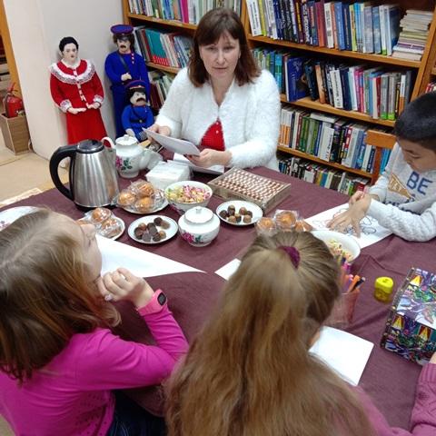 Новогоднее чаепитие «Сколько братьев у Деда Мороза?»